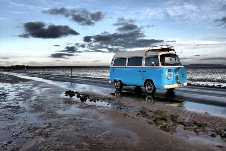 VW Bus am Strand